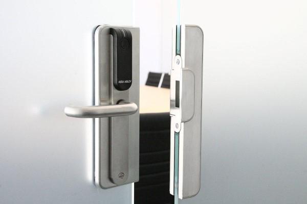 gambar access-door-solution